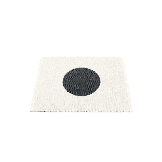Vera Small One Teppe 70x90 cm, Black/Vanilla