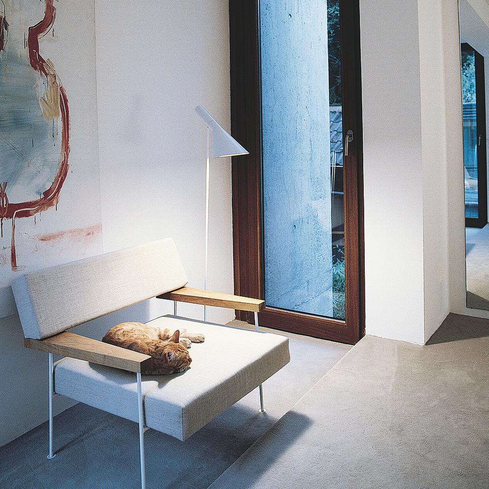 AJ Gulvlampe, Hvit - Arne Jacobsen - Louis Poulsen - RoyalDesign.no