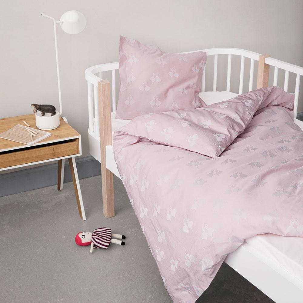 fairytale senget y 100x130cm rosa sonia brandes georg jensen damask. Black Bedroom Furniture Sets. Home Design Ideas